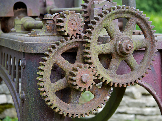 Gears by Pete Birkinshaw, Licenced under Creative Commons